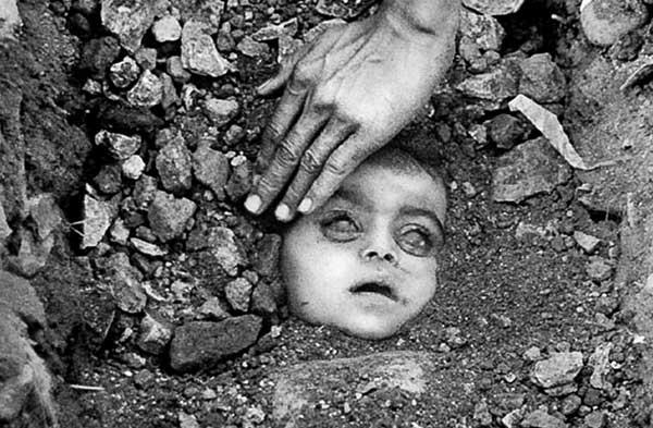 Hand Baby Raghu e141692427
